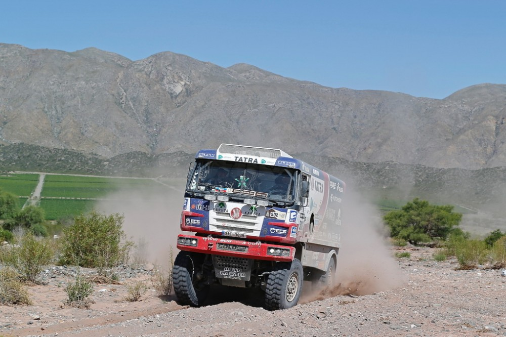 Fat Boy Brings Kolomý Together with Dakar Stars Right below Podium