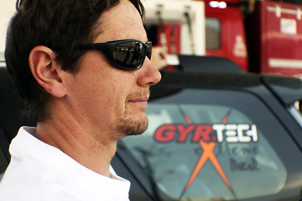 De Rooy Loses Lead, Gyrtech Engines Pull Forward