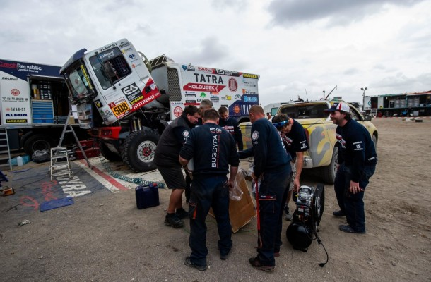 Crews Use Free Day for Rest and Strength Renewal. Second Half of Dakar about to Start!
