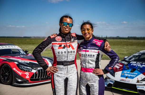 Video: 15-year-old twins girls going 300 kph at Brno airport!