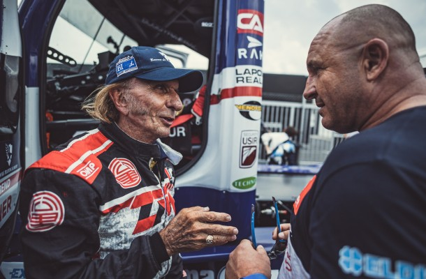 VIDEO: Emerson Fittipaldi tested for Buggyra