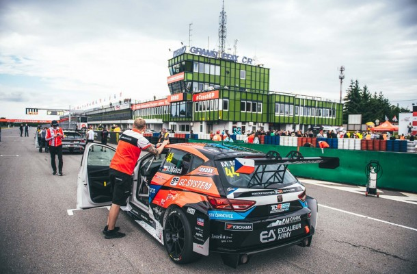 VIDEO: While Mičánek Motorsport powered by Buggyra team did not score any points at Nürburgring, Makeš had his best result this season at Brno.